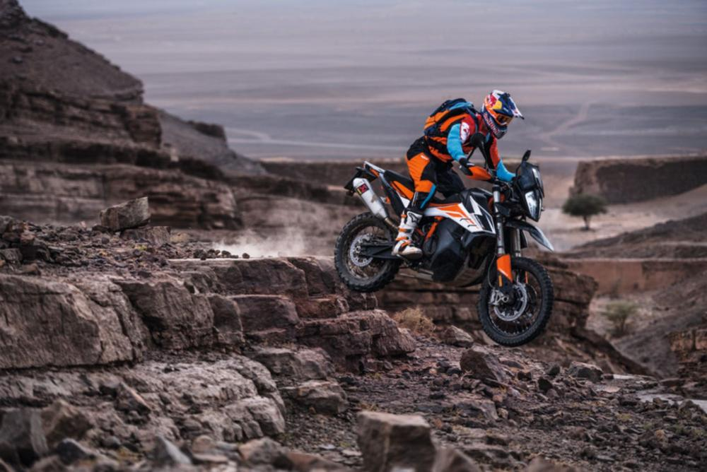 2019-ktm-790-adventure-r-first-look-specs-5.jpg